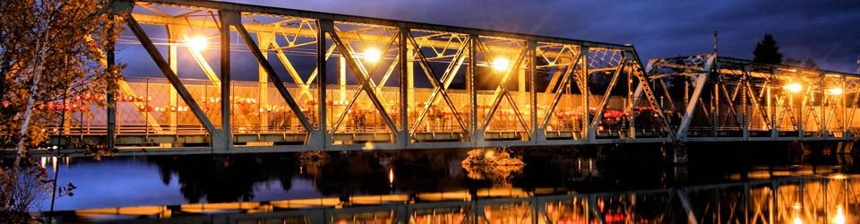 bridge-jack-o-lanterns-night_crop